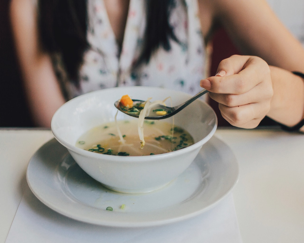 chicken broth, coup, eating, food
